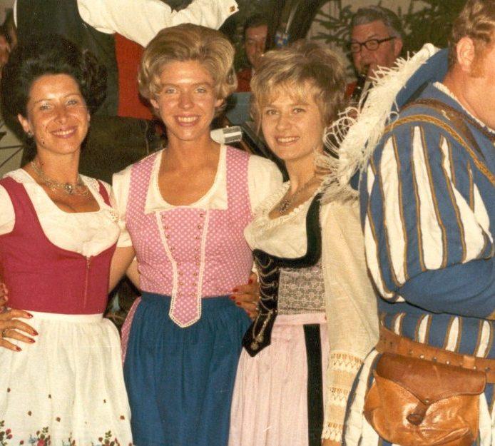 Kameradschaftsabend Enzklösterle mit Mechtild Trautz, Karin Bartels und Biggi Schäfer