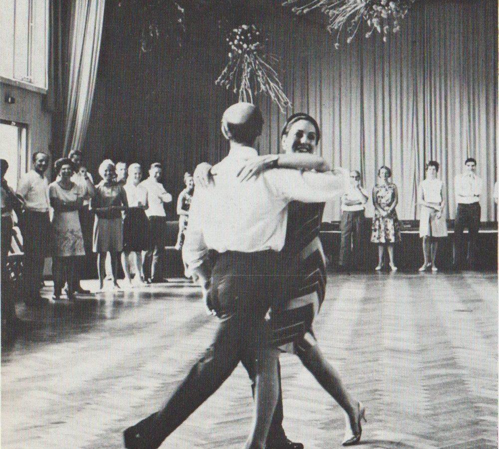 Tanzdemonstration mit Bill und Bobbie
