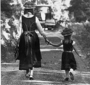 Zwei Schwarzwälderinnen unsere Tochter Martina mit Klein-Dani