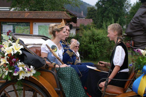Waldköniging und Heidelbeeerprinzessin Sabrina